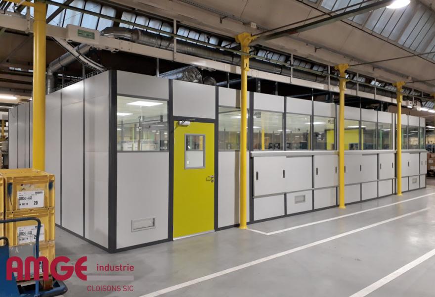 Cabine d'atelier isolée sur mesure par AMGE industrie