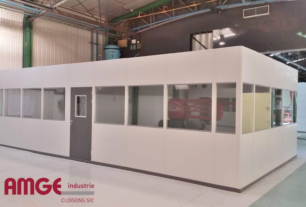 cabine d'atelier sur plancher bois par AMGE industrie