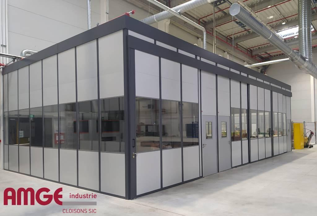 Cabine modulaire grande hauteur avec portes coulissantes par AMGE industrie
