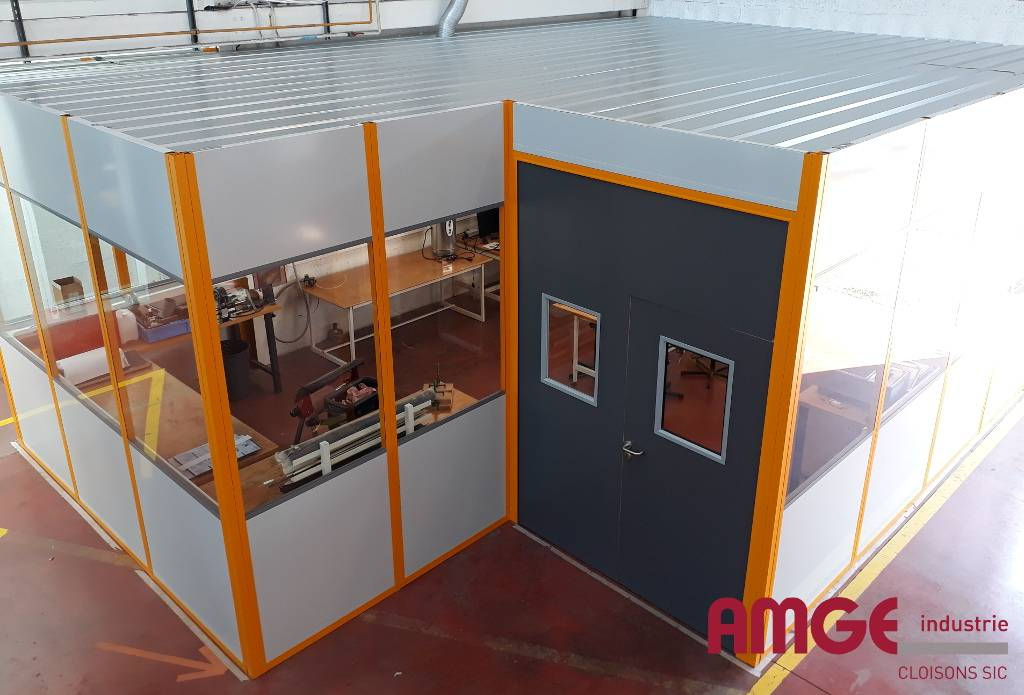 Cabine modulaire AMGE industrie : espace fablab