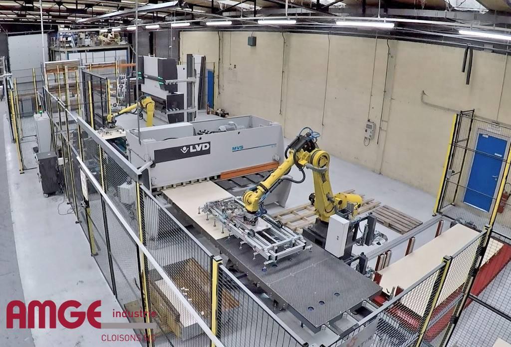fabrication de cloisons monobloc pour l'aménagement par AMGE industrie