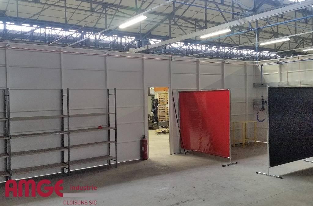 cloison d'atelier autoportante en acier par AMGE industrie