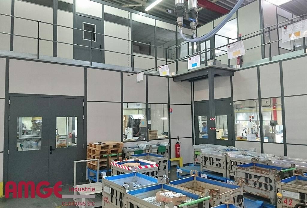 Cloisons modulaires pour création de locaux sur plateforme