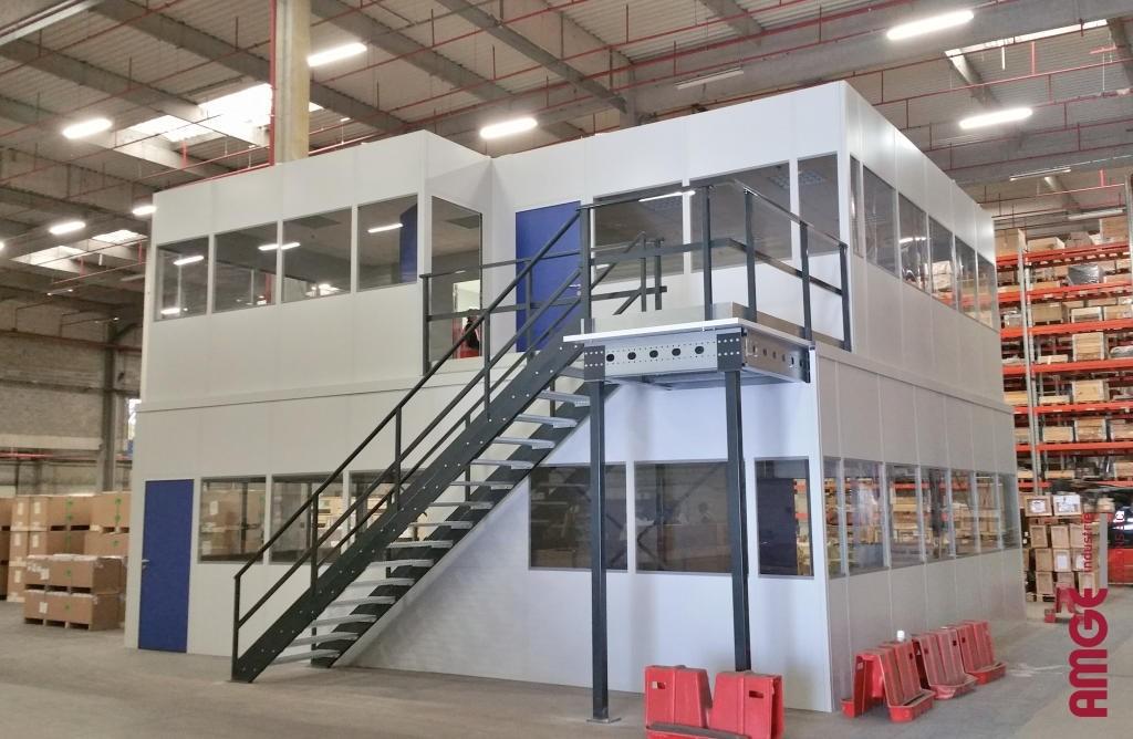 AMGE industrie locaux sur deux niveaux indépendants du bâtiment