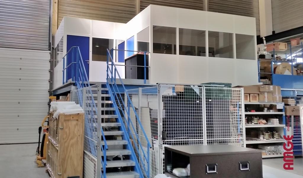 AMGE industrie cabine sur plateforme et espace de stockage sous plateforme