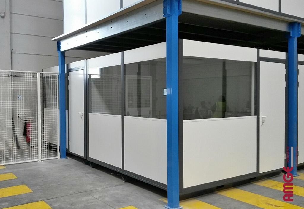 AMGE industrie cabine palettisable installée sous plateforme