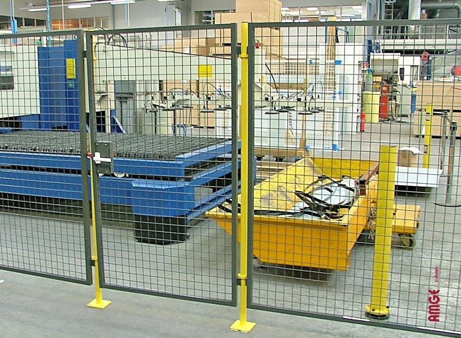 AMGE industrie cloison protection machine