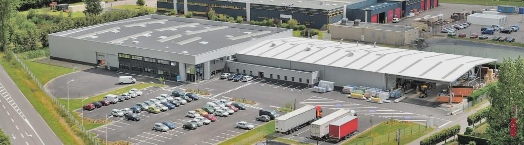 atelier de fabrication de cloisons modulaires AMGE industrie en normandie