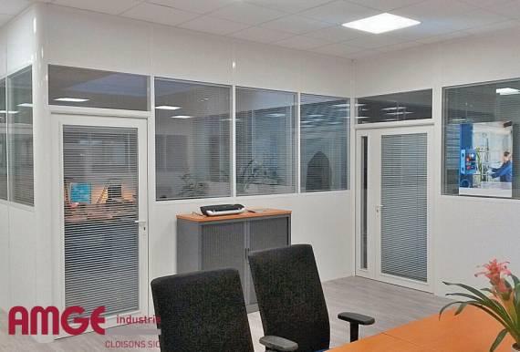 cloison de bureau avec isolations acoustique par AMGE industrie