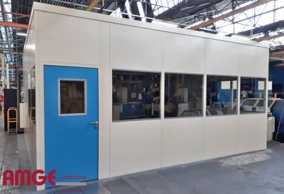 cabine d'atelier isolée