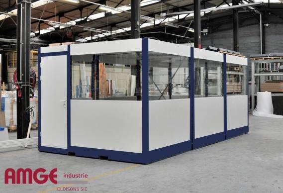 bureaux constitués de blocs pré-montés dans l'atelier AMGE industrie